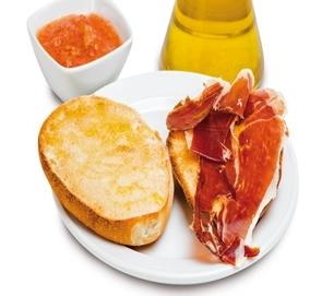 tostada-catalana-tomate-serrano