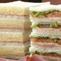 sandwiches-de-miga-jamon-queso