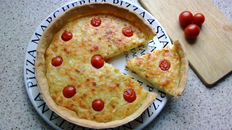 quiche-puerro-queso-tomate